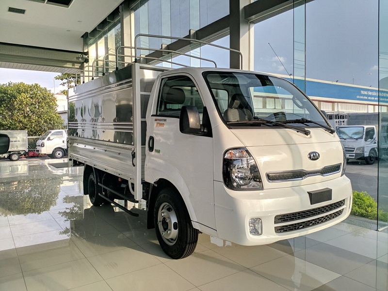 Xe tải KIA K250 thùng mui bạt mở 3 bửng trắng